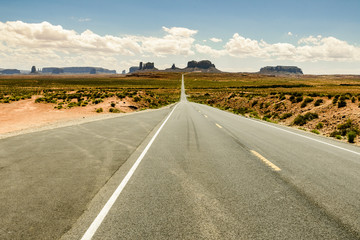 View of the monument valley from the forrest gump point
