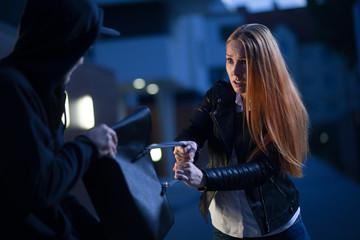Taschendiebstahl in der Nacht