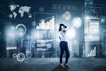 Businesswoman works with VR glasses