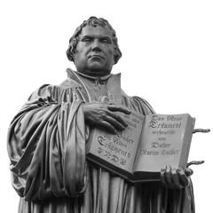 Lutherdenkmal in der Lutherstadt Wittenberg, Reformator Martin Luther mit Bibel