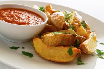 potato with tomato sauce