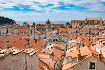 Blick auf die Altstadtdächer von Dubrovnik
