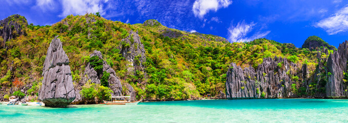 Fototapete - Exotic tropical islands. Unique incredible nature of El Nido, Palawan, Philippines.