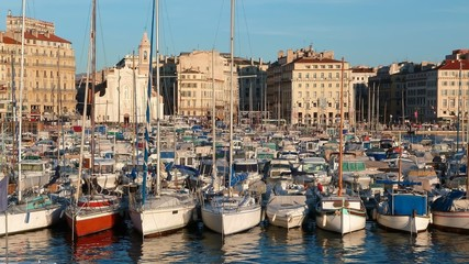 Marseille, Vieux-Port au soleil couchant (France)