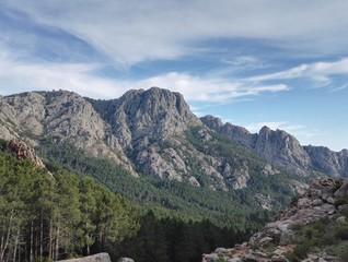 Montagne corsée