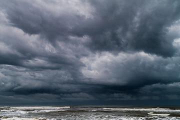 Poster Zee / Oceaan Dramatic stormy weather in Tortuguero, Costa Rica