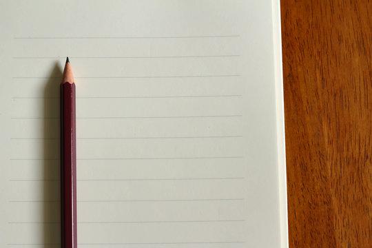 便箋と鉛筆