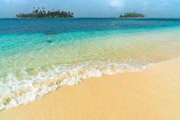 Paradisischer Strand in Guna Yala, San Blas Inseln, Panama