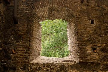 Fenster in den Ruinen von Panama Viejo, Panama City