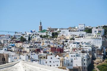 Marocco: i tetti e lo skyline della medina di Tangeri, città sulla costa del Maghreb all'ingresso occidentale dello stretto di Gibilterra