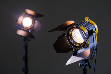 Two halogen spotlights with Fresnel lenses. Shooting in the Studio or in the interior. TV, movies, photos