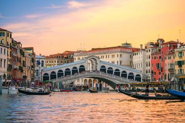 Obraz Rialto Bridge in Venice, Italy - fototapety do salonu