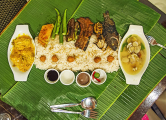 Authentic Filipino Style Seafood Boodle Fight