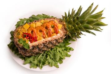 Креветки с рисом в ананасе