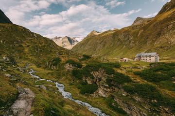 Franz-Senn-Hütte am Stubaier Höhenweg, Österreich