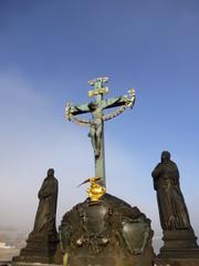 カレル橋 十字架像