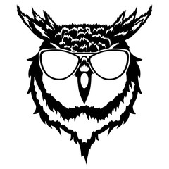 """Print on t-shirt """"Isolated illustration of a head of an owl"""""""