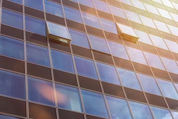 offene Fenster im Sommer Hochhaus