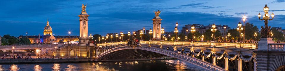Pont Alexandre III und Invalides in Paris, Frankreich