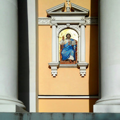Icon at the entrance to the church.