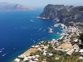 Błękitna zatoka na wyspie Capri