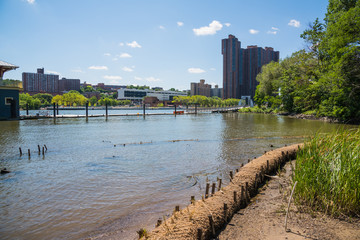 New York Harlem River Swindler Cove / New York Harlem River にあるSwindler Cove の風景です。