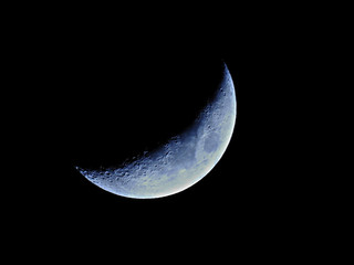 Crescent Moon / First Quarter Moon or Final Quarter Moon