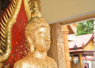face of the Buddha was glued with gold plate.