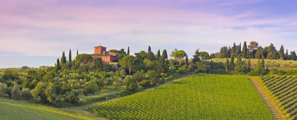 Weingut im Abenrot in der Toskana, (Chiantigebiet) Fototapete