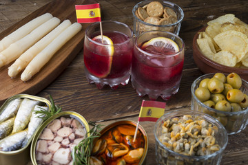 Vermouth with tapas