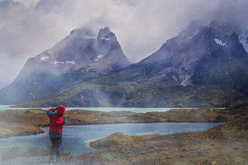 Photographing Cuernos del Paine