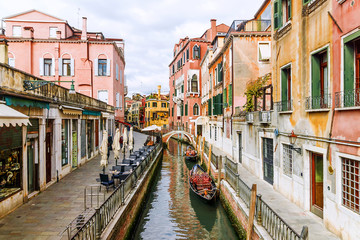 Picturesque canals in Venice