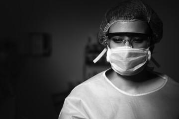 ameliyat hanede ki doktor