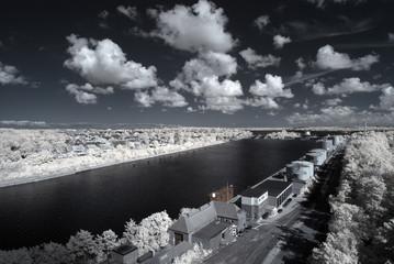 Infrarot - Infrared North Baltic Sea canal. Floodgate Kiel