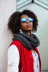 Afro young woman with sunglasses