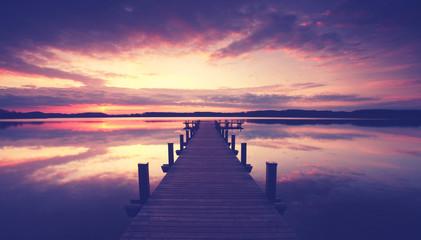 unendlicher Steg am See