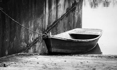 Barco Aportado em Espera