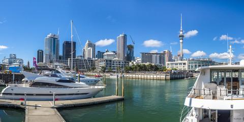 Auckland, Yachthafen mit Skyline und Skytower, Neuseeland, Nordinsel