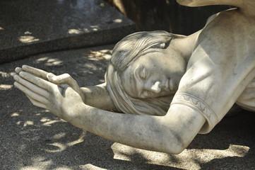 Statue al cimitero Acattolico di Roma