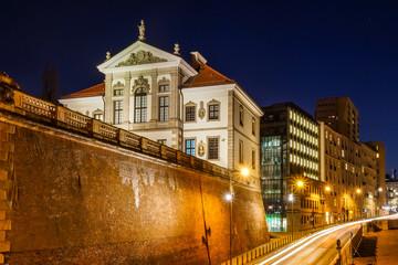 Obraz Nocny widok na barokowy pałac (Muzeum Fryderyka Chopina) w Warszawie - fototapety do salonu