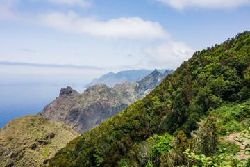 Wanderung im Anaga Gebirge bei Taborno auf Teneriffa mit Meerblick und Bergblick