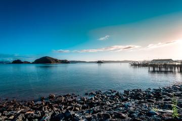 Keuken foto achterwand Nieuw Zeeland Sunrise in New Zealand Paihia Beach