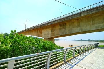 ハンロン橋 ベトナム