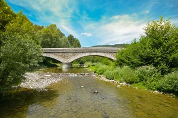 Steinbrücke über die Ouveze