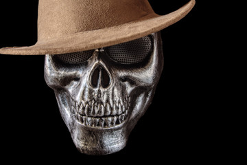 Iron mask with skull shape with hat