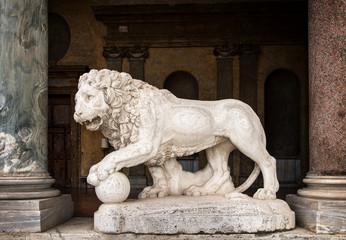 Leone in marmo da Villa Borghese, Roma