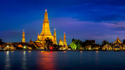 Foto op Canvas Temple Wat Arun temple in Bangkok, Thailand.