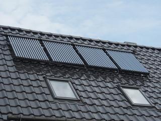 Wärmeerzeugung auf Hausdach: Solarthermie, Röhren, Sonnenenergie