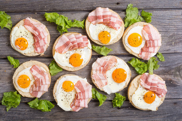 Sandwich with eggs and bacon