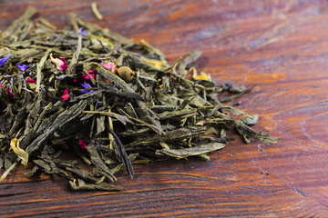 Fragrant green tea with dried flowers